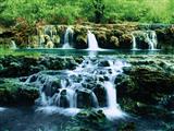 منظره آبشار زیبا