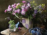 گلدان گلهای ارغوانی